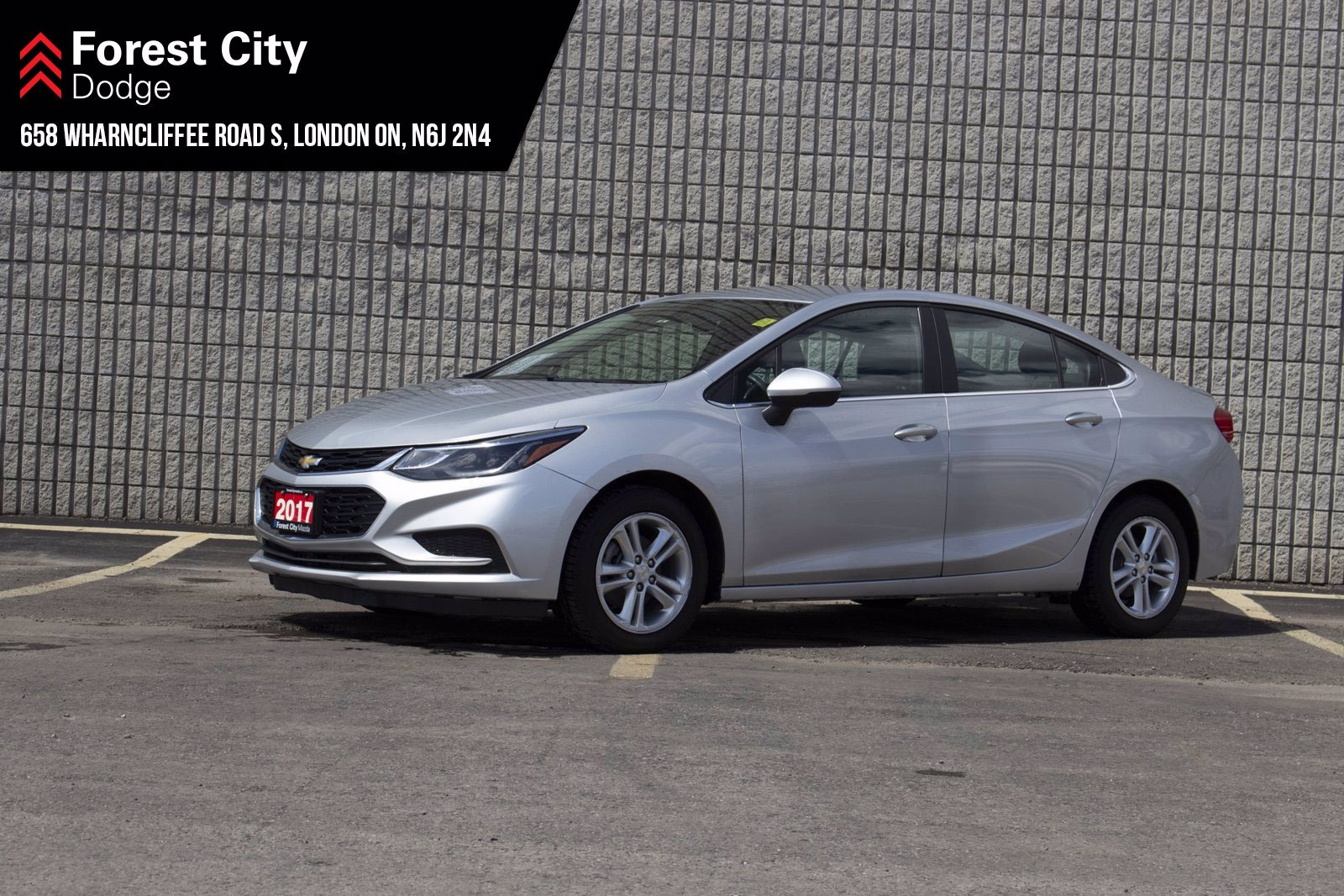 Pre-Owned 2017 Chevrolet Cruze LT | KEYLESS ENTRY | BLUETOOTH | REAR VIEW CAM | FWD