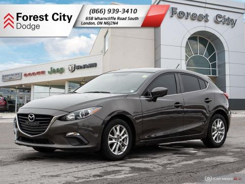Pre-Owned 2015 Mazda3 GS FWD Hatchback